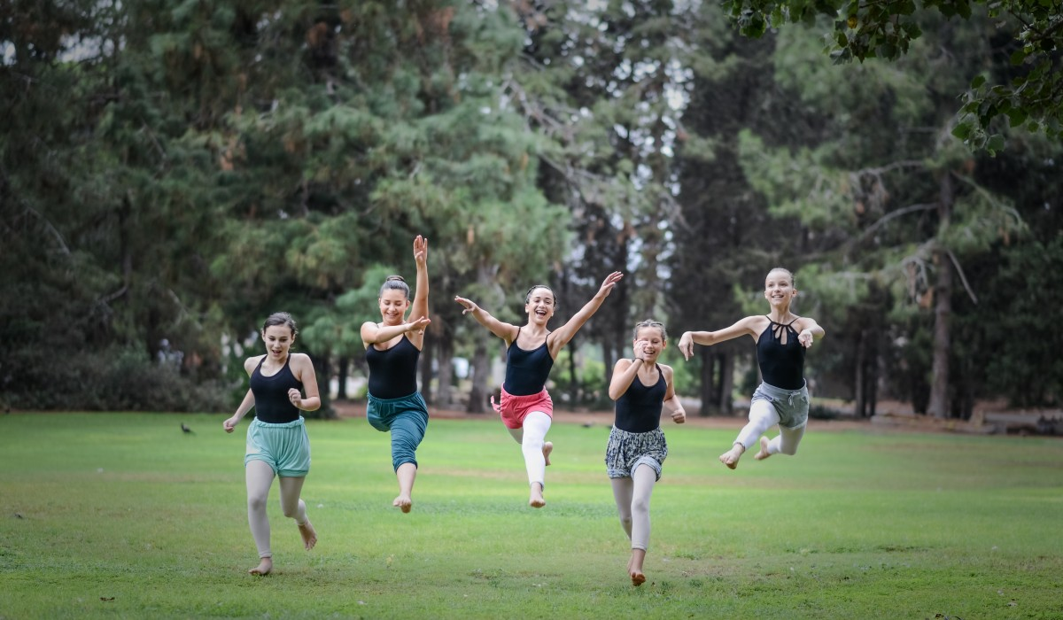 2017 Summer Intensive Dance Program Kibbutz Contemoprary Dance Company 002