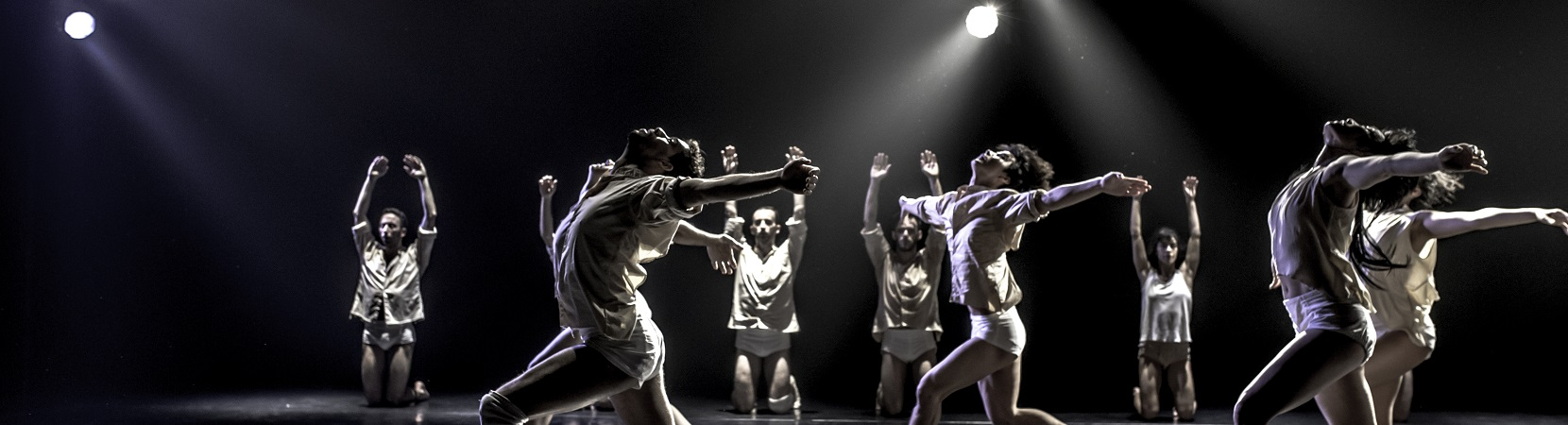 Horses-in-the-Sky-by-Rami-Beer-Kibbutz-Contemporray-Dance-Company-The-Best-Dance-Company-Homepage-Slider-007