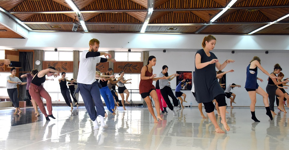 Contemporary-Dance-Classes
