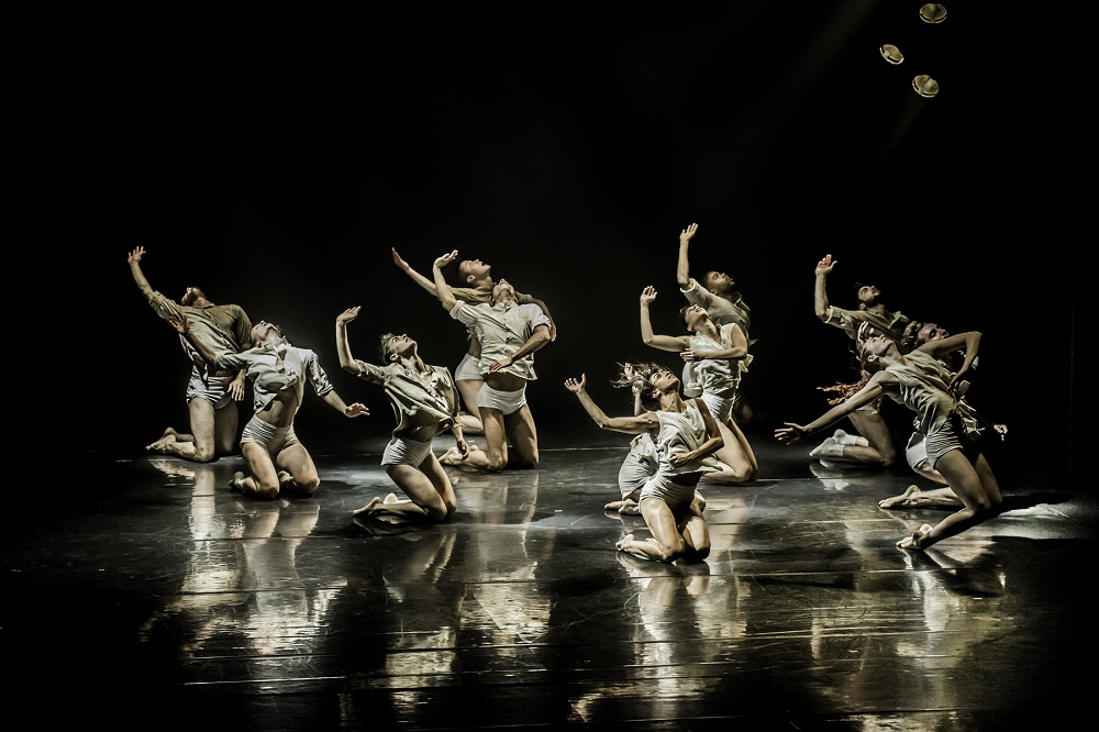 Horses-in-the-Sky-Kibbutz-Contemporary-Dance-Company-Homepage-Mobile-002