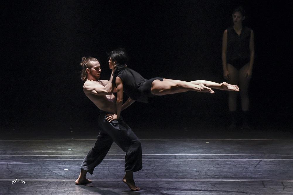Asylum by Rami Be'er – Kibbutz Contemporary Dance Comapny – Slideshow 002